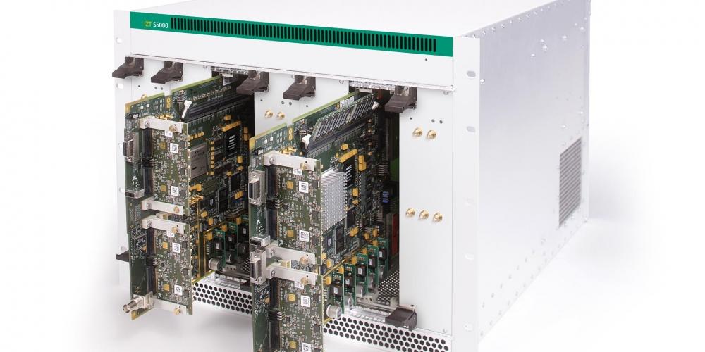 IZT S5000 Многоканальный источник сигнала для моделирования ВЧ-среды в реальном времени