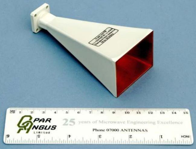 Steatite Q-Par Antennas QSH20F20 18-26,5 ГГц Антенна с коэффициентом усиления 20 дБи