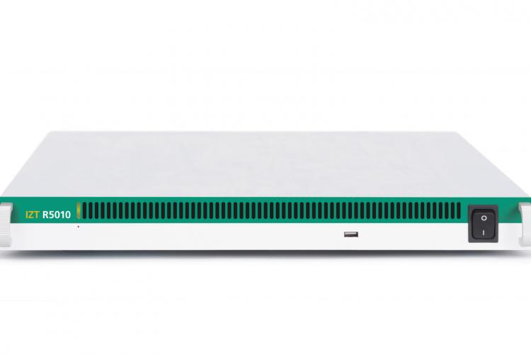 Широкополосный приёмник с полосой 120 МГц IZT R5010